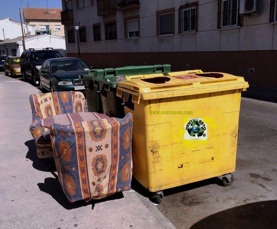 Recogida y retirada de enseres viejos a domicilio for Recogida muebles cadiz